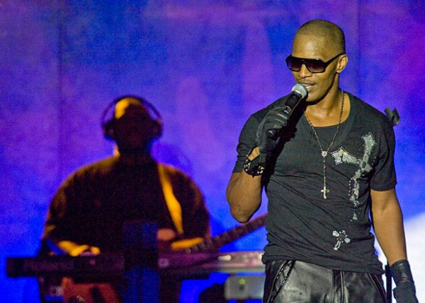 Jamie Foxx a triple threat at packed show | Toronto Star