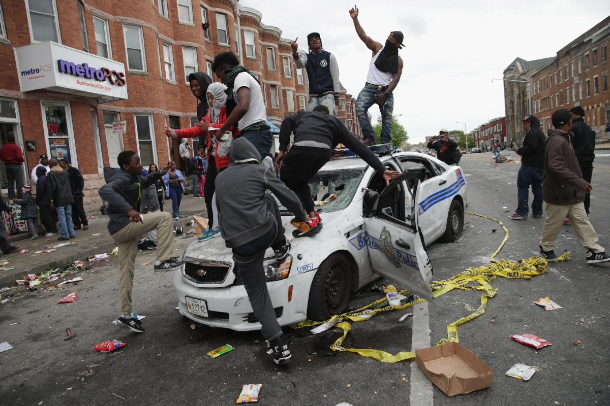 https://i1.wp.com/www.thestar.com/content/dam/thestar/news/world/2015/04/28/baltimore-riots-where-things-stand-tuesday/baltimore-riot.jpg