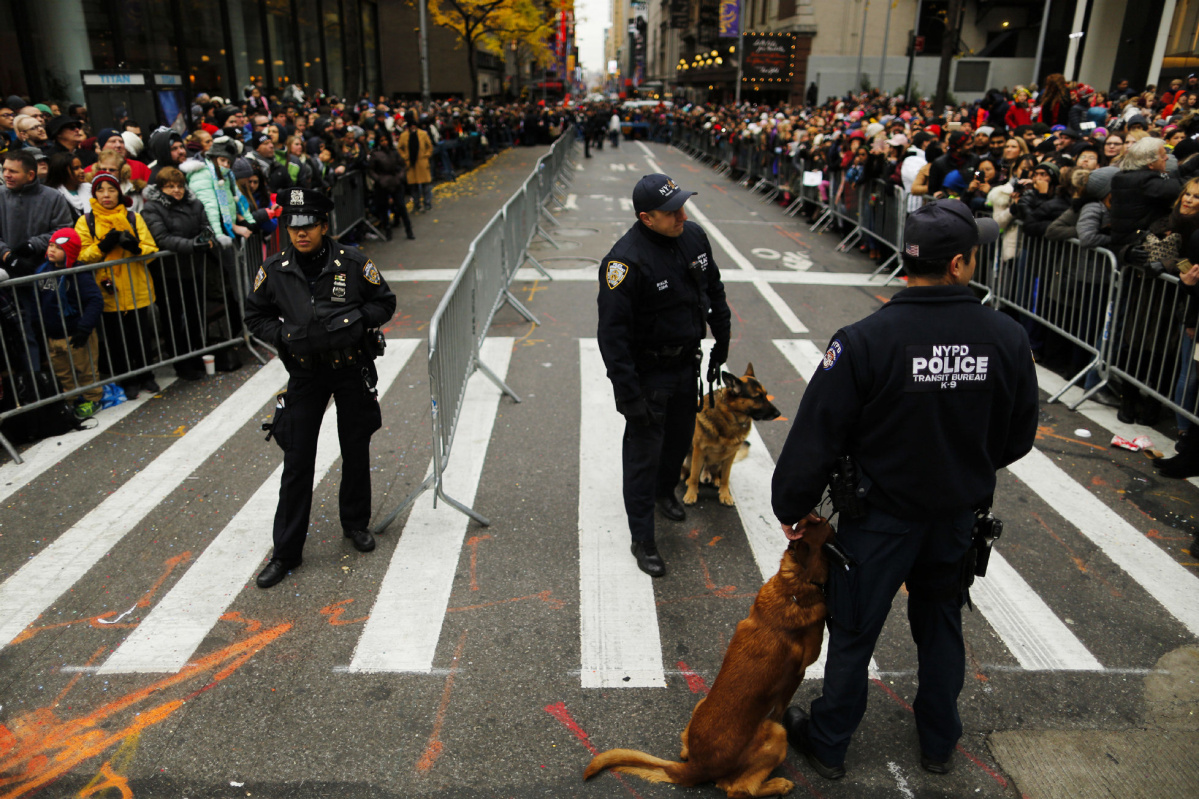 Macys Thanksgiving Parade In New York Goes Smoothly Amid Tight Security Toronto Star