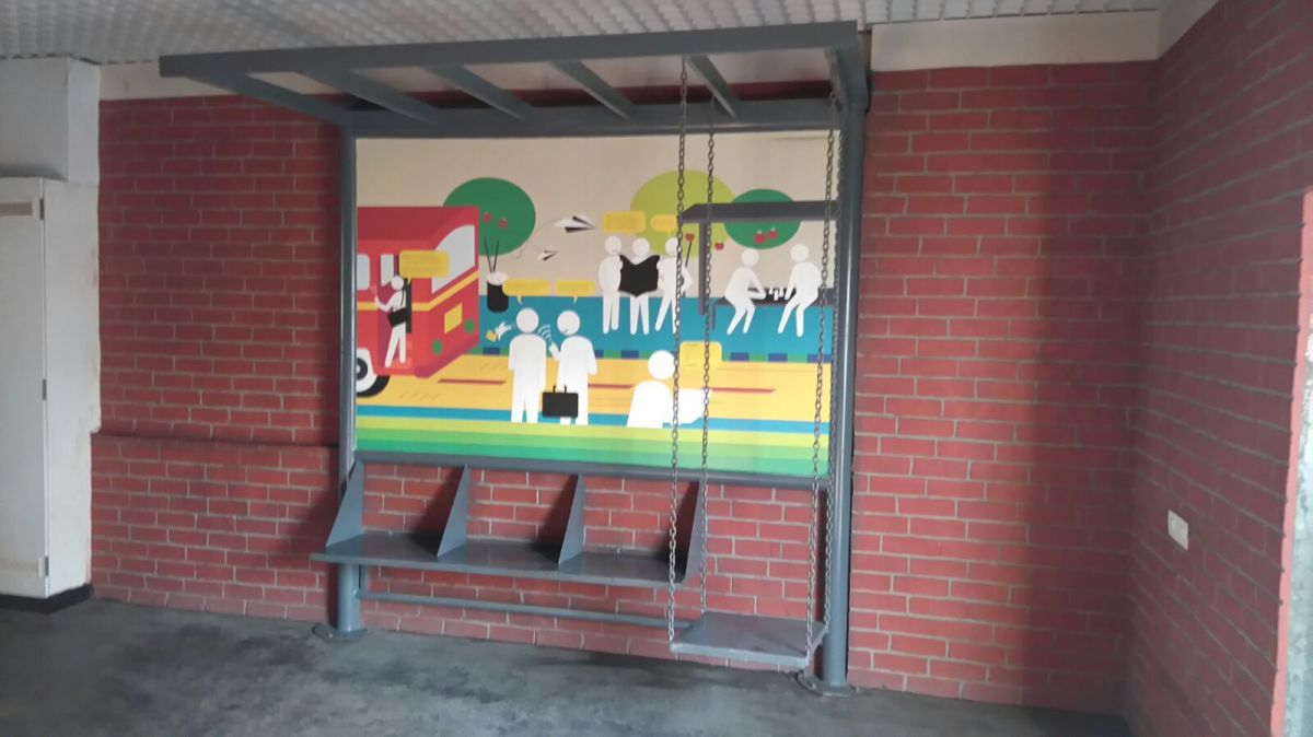 Floor with street theme 2 - Bus stop, swing, brick wall