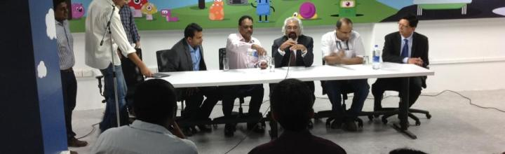 Mr._Sam_Pitroda,_Advisor_to_the_Prime_Minister_of_India_in_a_panel_discussion_in_Startup_Village