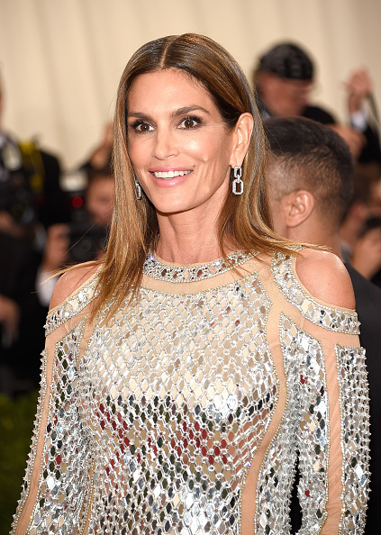 "NEW YORK, NY - MAY 02: Cindy Crawford attends ""Manus x Machina: Fashion In An Age Of Technology"" Costume Institute Gala at Metropolitan Museum of Art on May 2, 2016 in New York City. (Photo by Kevin Mazur/WireImage)"