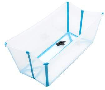 A clever foldaway design makes it easy to store and transport this lightweight bathtub that's perfect for baby to use from birth through his or her fourth birthday.