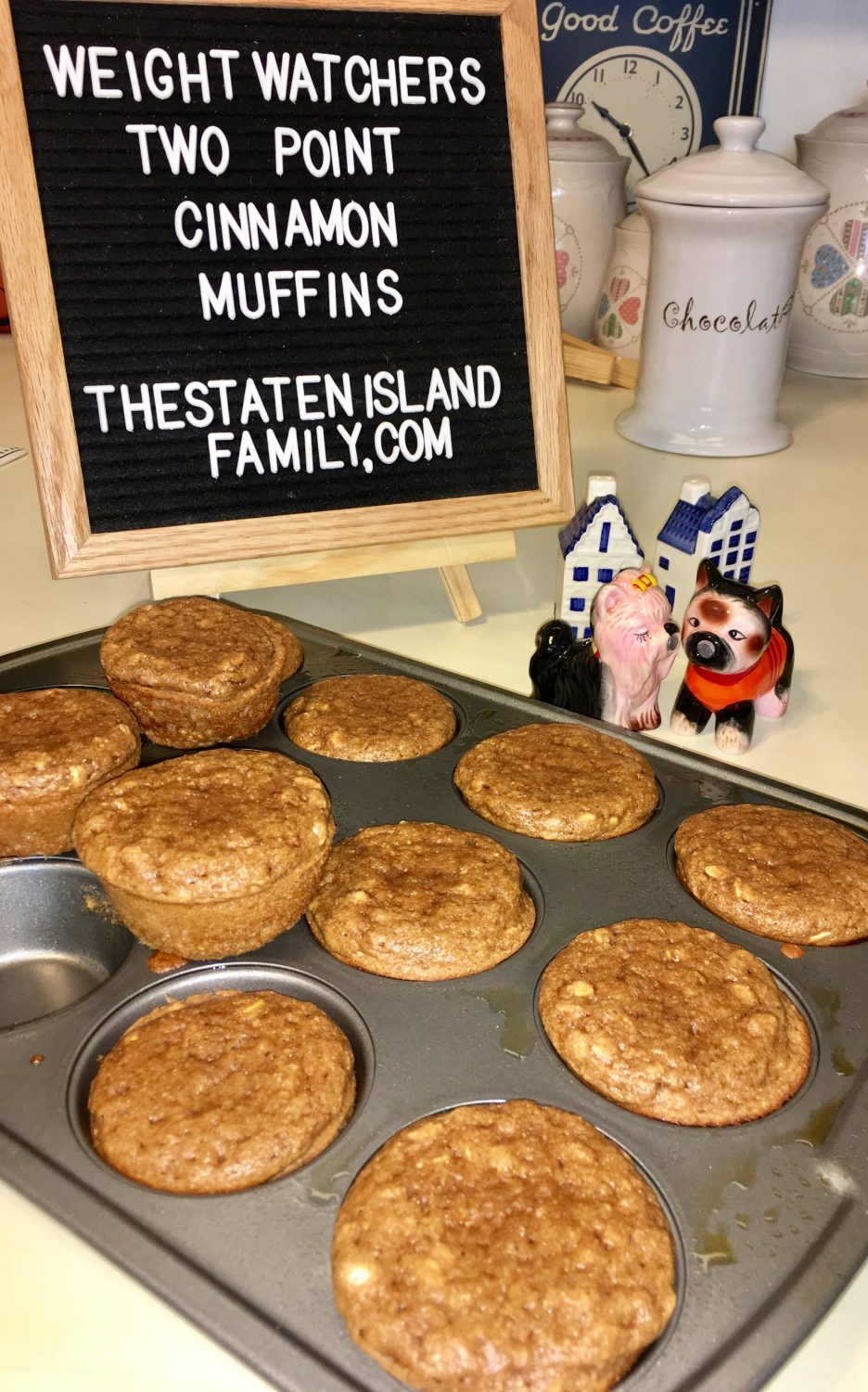 cinnamon muffins cooking