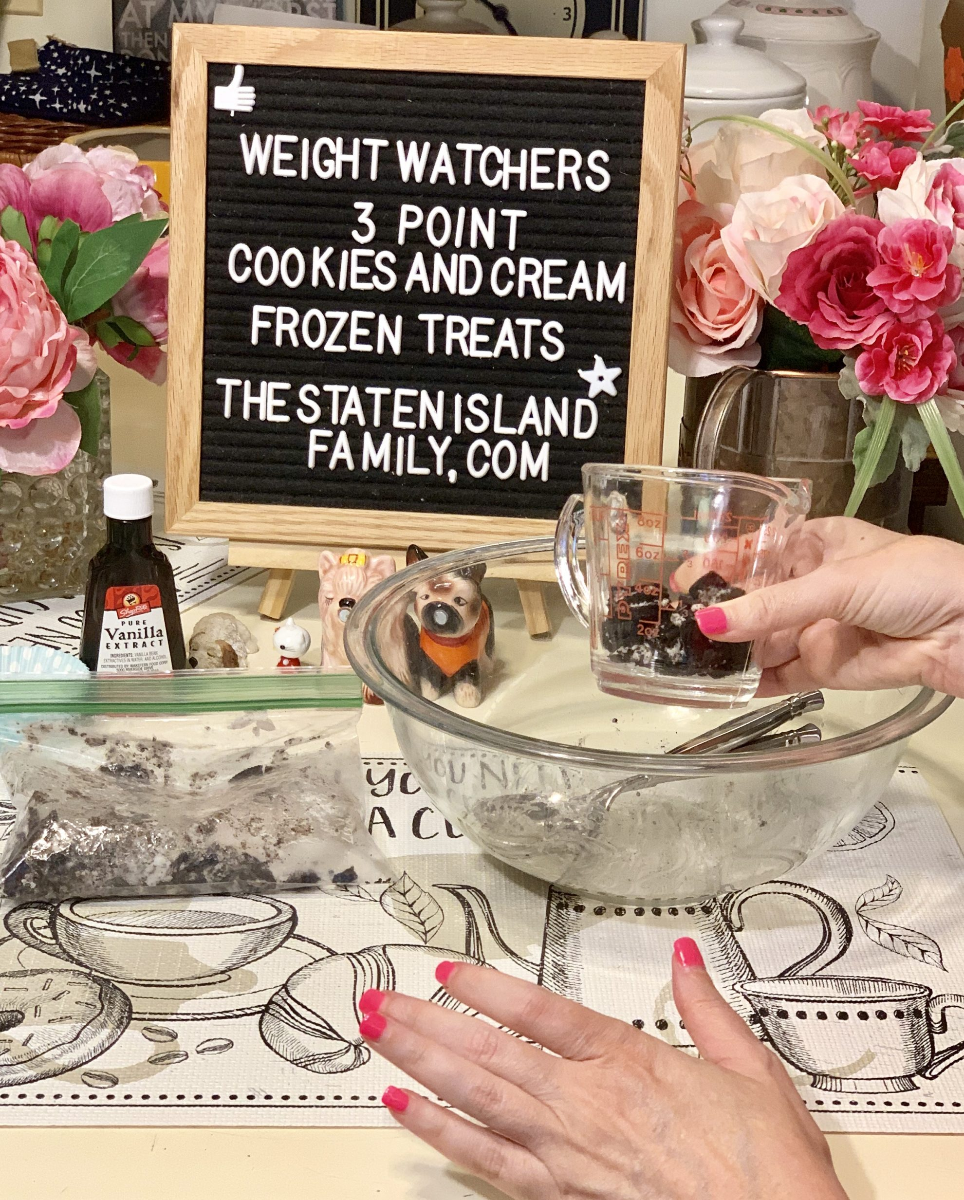 Weight Watchers Cookies and Cream Frozen Treats just three points per serving