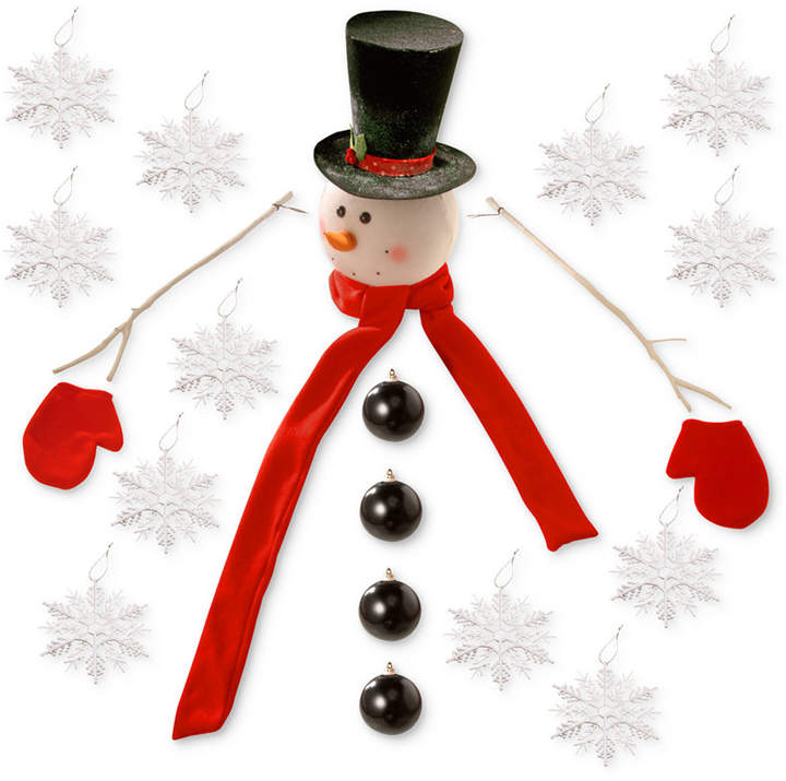 Create a winter wonderland with our exciting Snowman Dress Up Tree Kit. With 21 festive pieces, you'll have a blast transforming any real or artificial Christmas tree into a friendly snowman character.