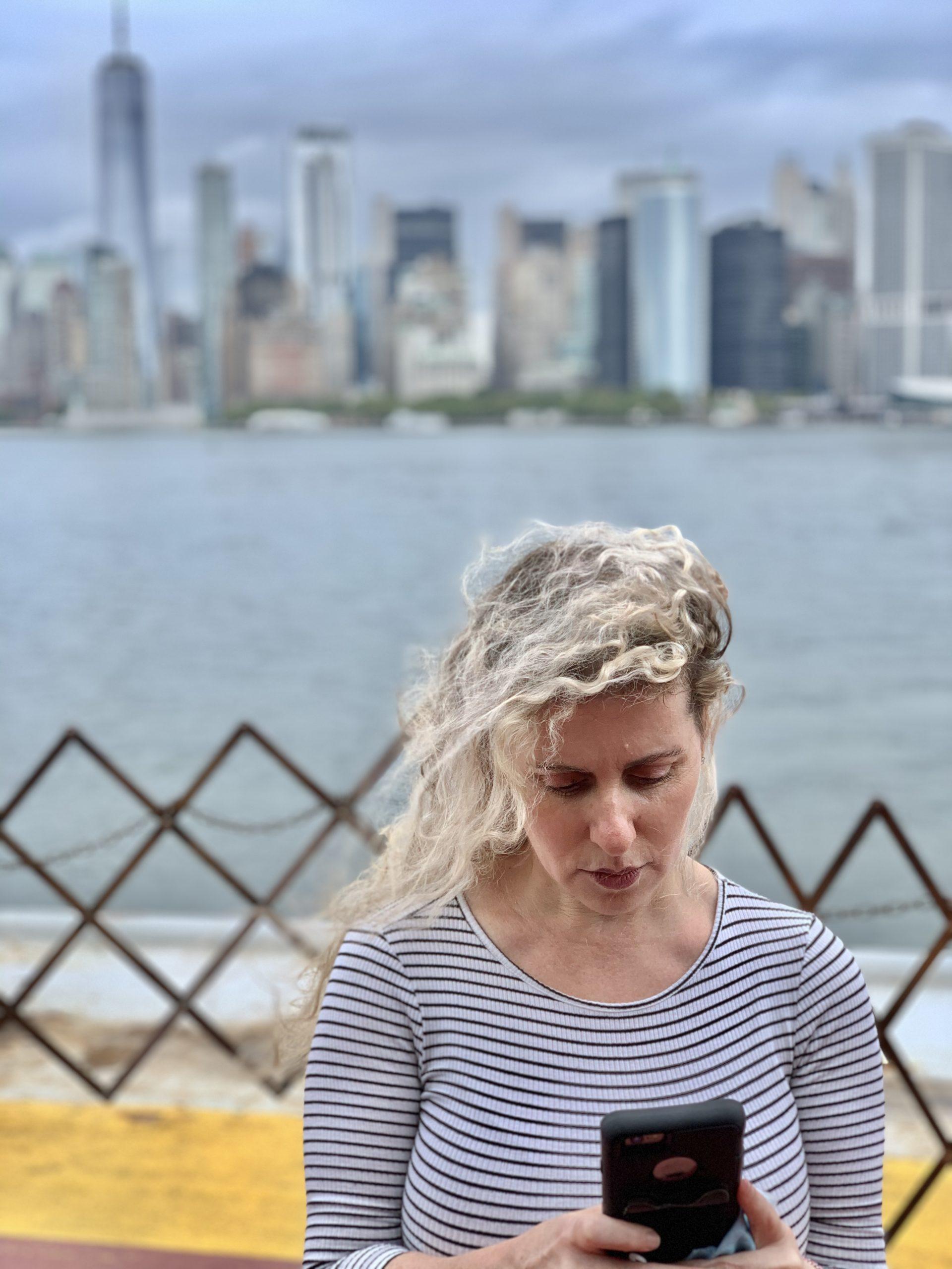 This NYC mom RUNS on Verizon Mobile and Home