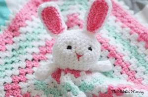 Crochet Bunny Lovey - Free Pattern by The Stitchin' Mommy www.thestitchinmommy.com #crochet #bunny #Easter #lovey #baby #blanket