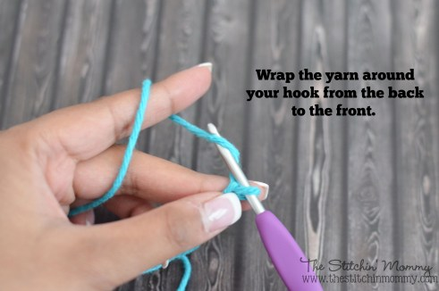 Crochet 101 - Slip Knot and Chain Stitch www.thestitchinmommy.com