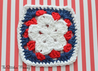 Crochet Star Granny Squares www.thestitchinmommy.com
