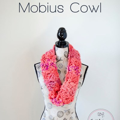 Mixed Up and Twisted Mobius Cowl #MixologyYarns