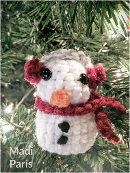Crochet Snowman Plush Pattern - Free Pattern by Madi Paris exclusively for The Stitchin' Mommy | www.thestitchinmommy.com
