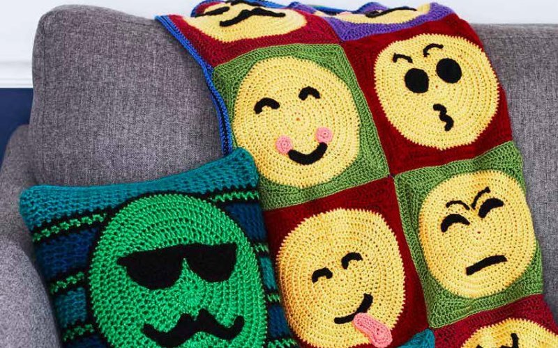 Emoji Crochet by Charles Voth – Book Review and Giveaway