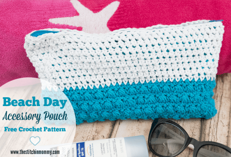 Beach Day Accessory Pouch - Free Crochet Pattern #CelebrateMomCAL | www.thestitchinmommy.com