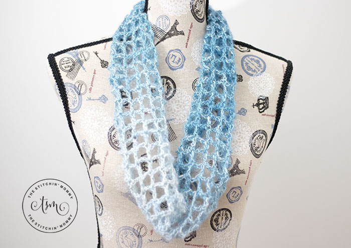 Blue Lace Cowl - Free Crochet Pattern | Scarf of the Month Club hosted by The Stitchin' Mommy and Oombawka Design | www.thestitchinmommy.com #ScarfoftheMonthClub2019