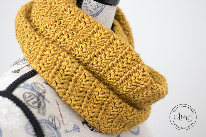 Butterscotch Infinity Scarf - Free Crochet Pattern | Scarf of the Month Club hosted by The Stitchin' Mommy and Oombawka Design | www.thestitchinmommy.com #ScarfoftheMonthClub2018