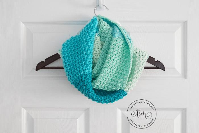 Faerie Magic Infinity Scarf - Free Crochet Pattern - The Stitchin Mommy