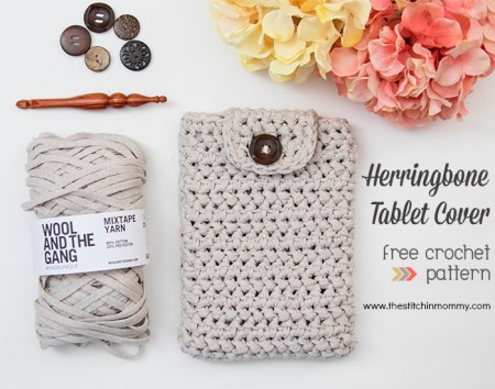 Herringbone Tablet Cover - Free Crochet Pattern | www.thestitchinmommy.com