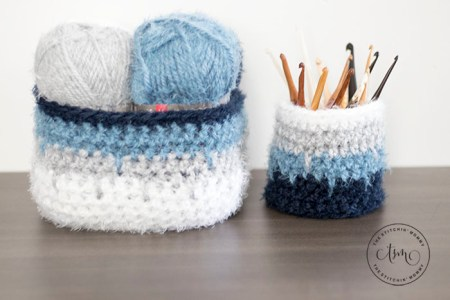 Hygge Ombre Basket - Free Crochet Pattern | www.thestitchinmommy.com #hyggehome #hyggehomecal #calcentralcrochet #redheartyarns