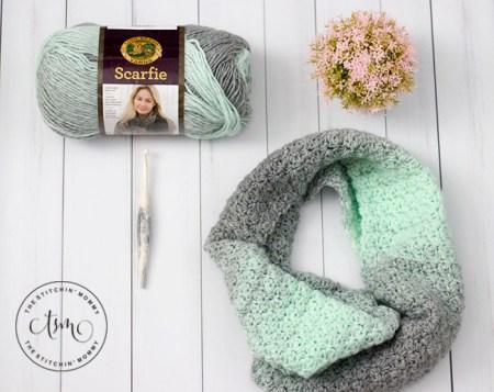 Mint Julep Scarf - Free Crochet Pattern #ScarfHatoftheMonthClub2020 | www.thestitchinmommy.com