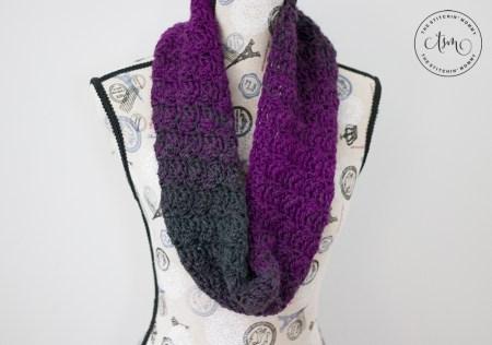 Mulberry Wine Infinity Scarf - Free Crochet Pattern #ScarfHatoftheMonthClub2020 | www.thestitchinmommy.com