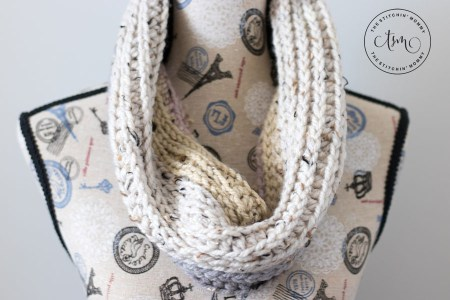 Oatmeal Cookie Cowl - Free Crochet Pattern - Scarf of the Month Club hosted by The Stitchin' Mommy and Oombawka Design | www.thestitchinmommy.com #ScarfoftheMonthClub2017