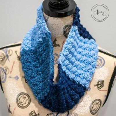 Oh So Denim Cowl - Free Crochet Pattern #ScarfoftheMonth   www.thestitchinmommy.com