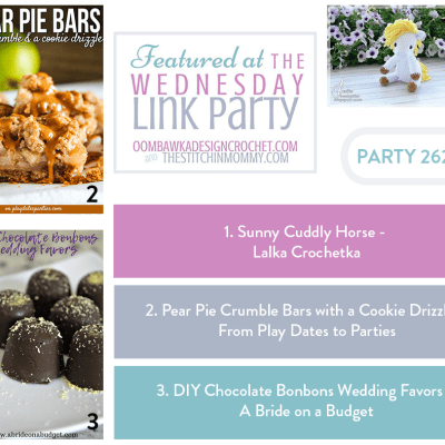 The Wednesday Link Party 262 featuring Pear Pie Crumble Bars