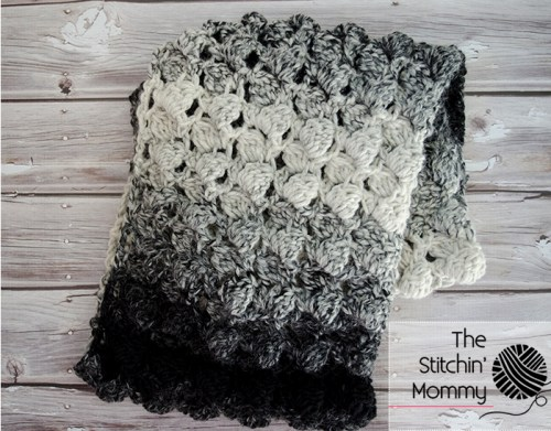 Scarf of the Month Club hosted by Oombawka Design and The Stitchin' Mommy - 2 FREE crochet patterns every month, for 12 months! February Pattern: Fluffy Clusters Infinity Scarf | www.thestitchinmommy.com