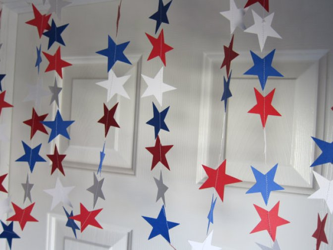 Star paper garland for July 4th.