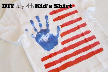 Cutest DIY JUly 4 kid's shirt craft.