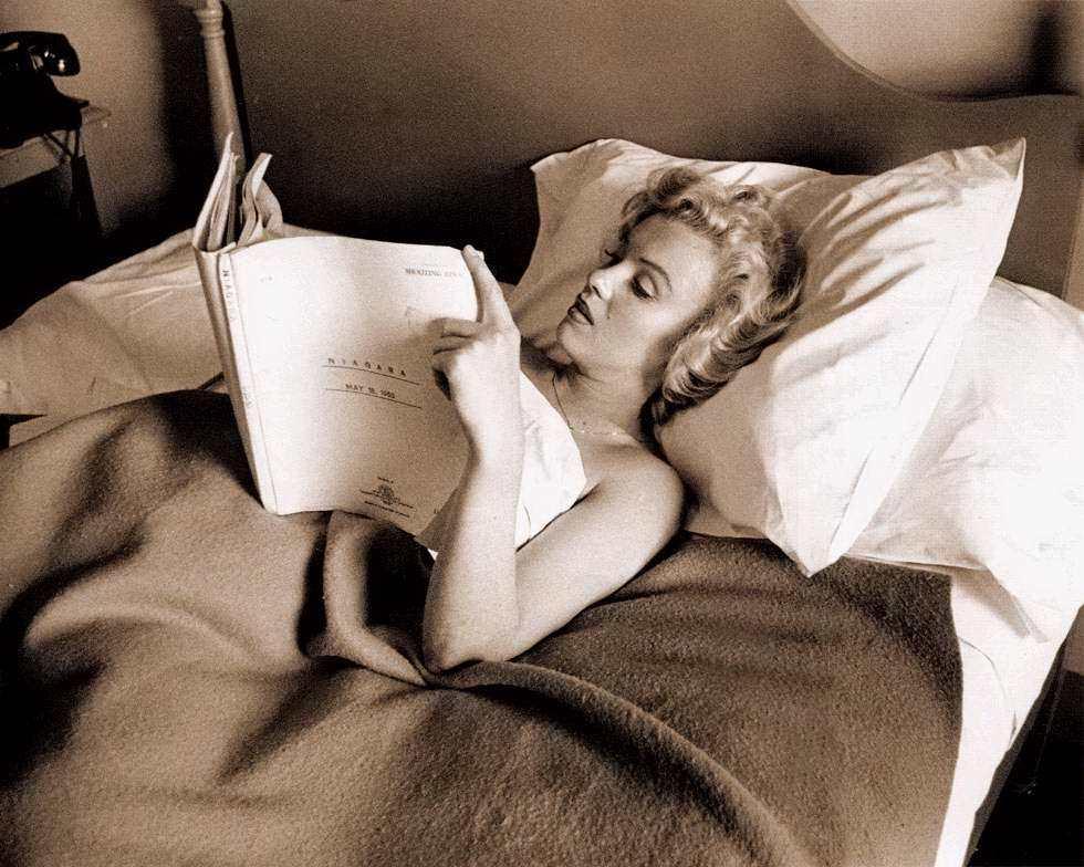 marilyn monroe is reading a screenplay