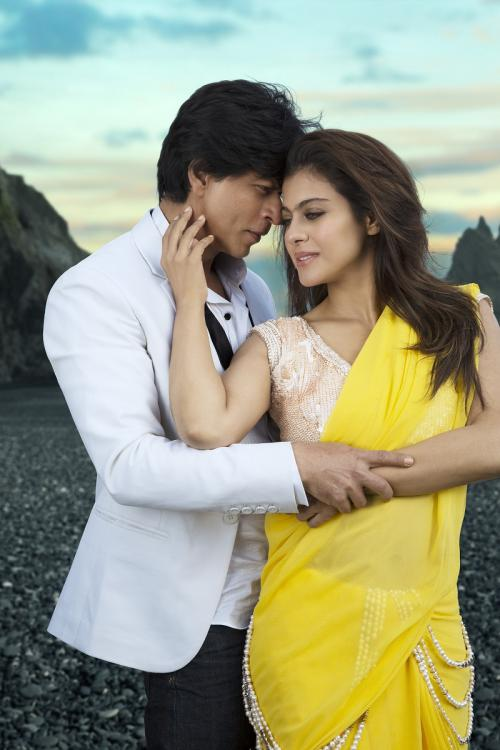 Recreate the Looks of Kajol in Dilwale with these easy Style Tips