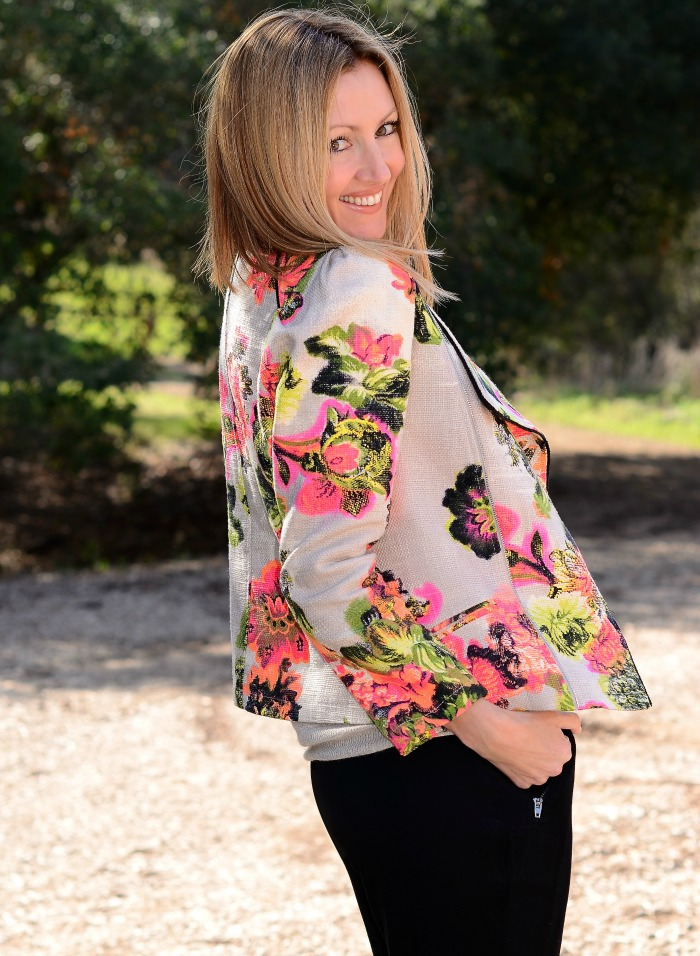 Line and Dot Organic Floral Blazer