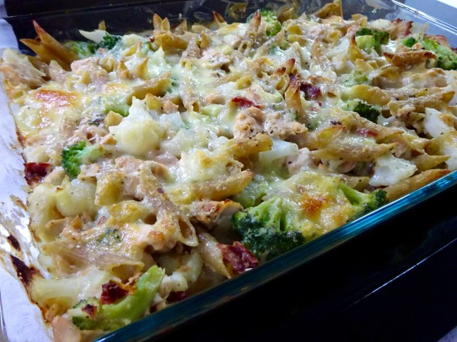salmon-pasta-broccoli-bake