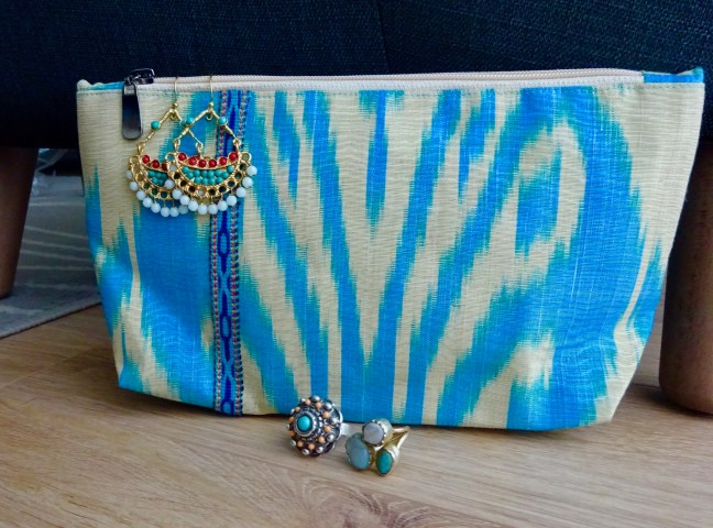 the-stylish-voyager-salomat-ikat-clutch