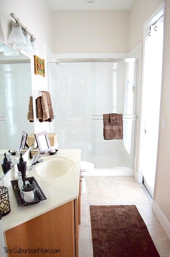 Small Guest Bathroom Decor