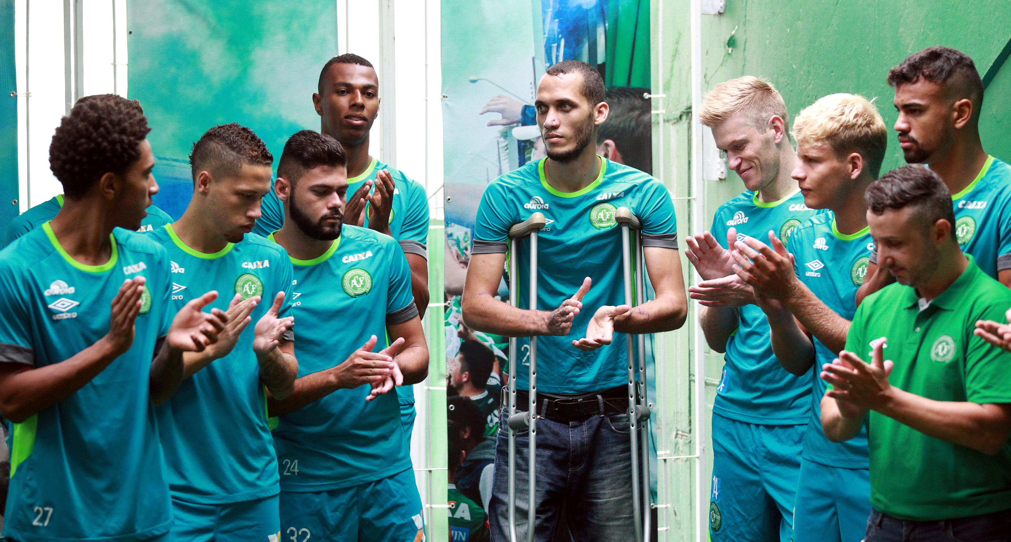 Chapecoense crash survivor Neto talks to youth players who will now be in the first team