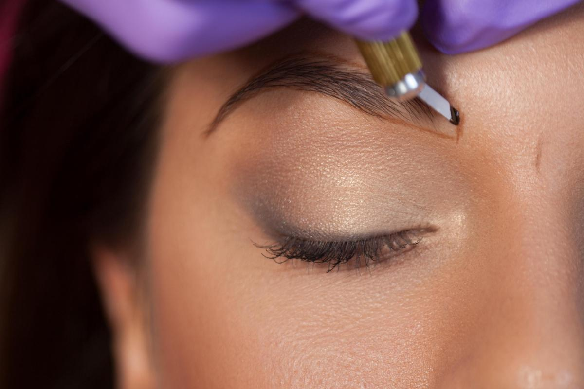 What Is Eyebrow Micro Blading How Does Semi Permanent Tattooing