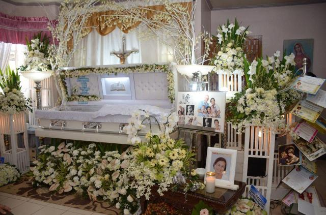 Mia's funeral was held in the Phillipines in front of devastated friends and family
