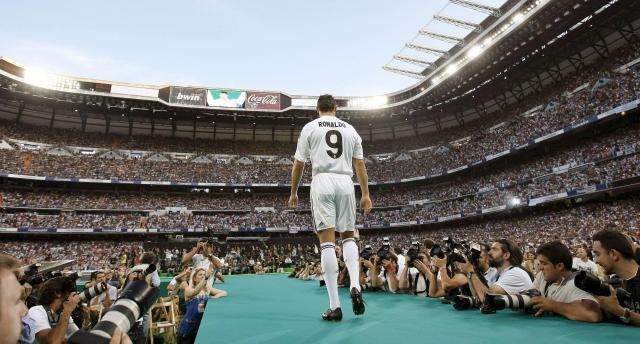 Cristiano Ronaldo was greeted by 80,000 people for Real Madrid presentation