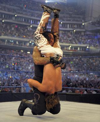 The Undertaker retired Shawn Michael's with a tombstone