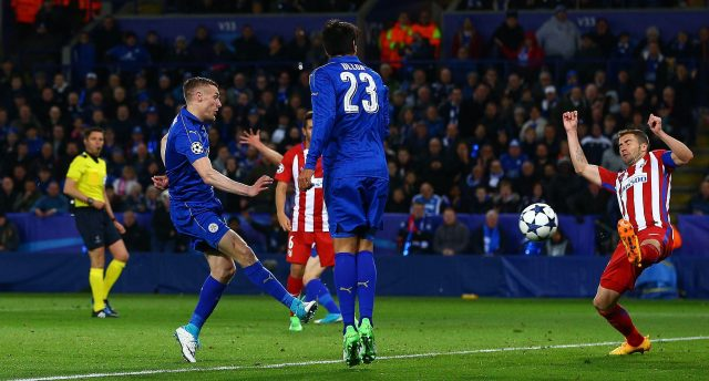 Jamie Vardy lashes home the equaliser at the King Power Stadium