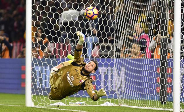 Image result for gianluigi donnarumma milan 2018 save