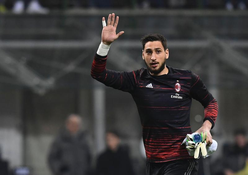 Gianluigi Donnarumma Will Leave Ac Milan With Manchester United Real Madrid Paris Saint Germain And Juventus Keen But Mino Raiola Will Have Final Say