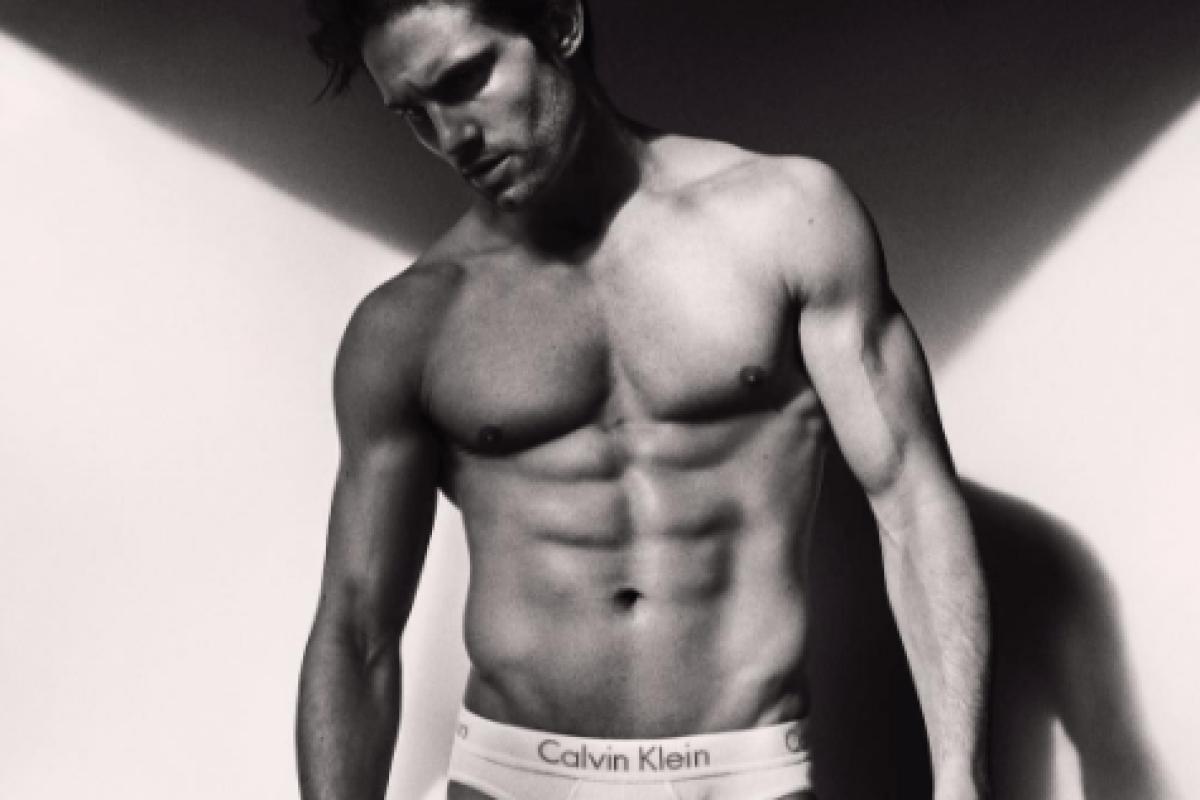 da90866933774 Love Island s Jamie Jewitt drives fans wild as his Calvin Klein modelling  shots rack up thousands of Instagram likes