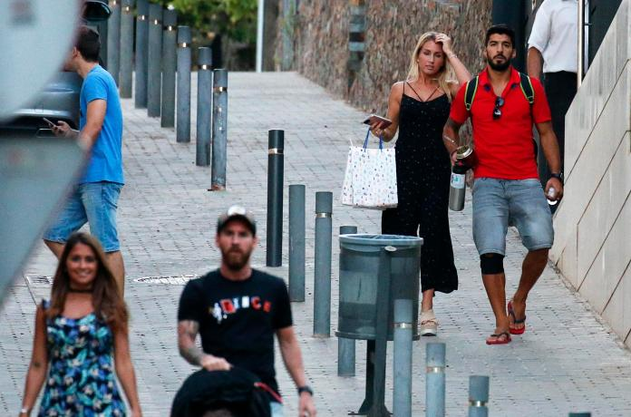 Image result for Messi and Luis Suarez friend