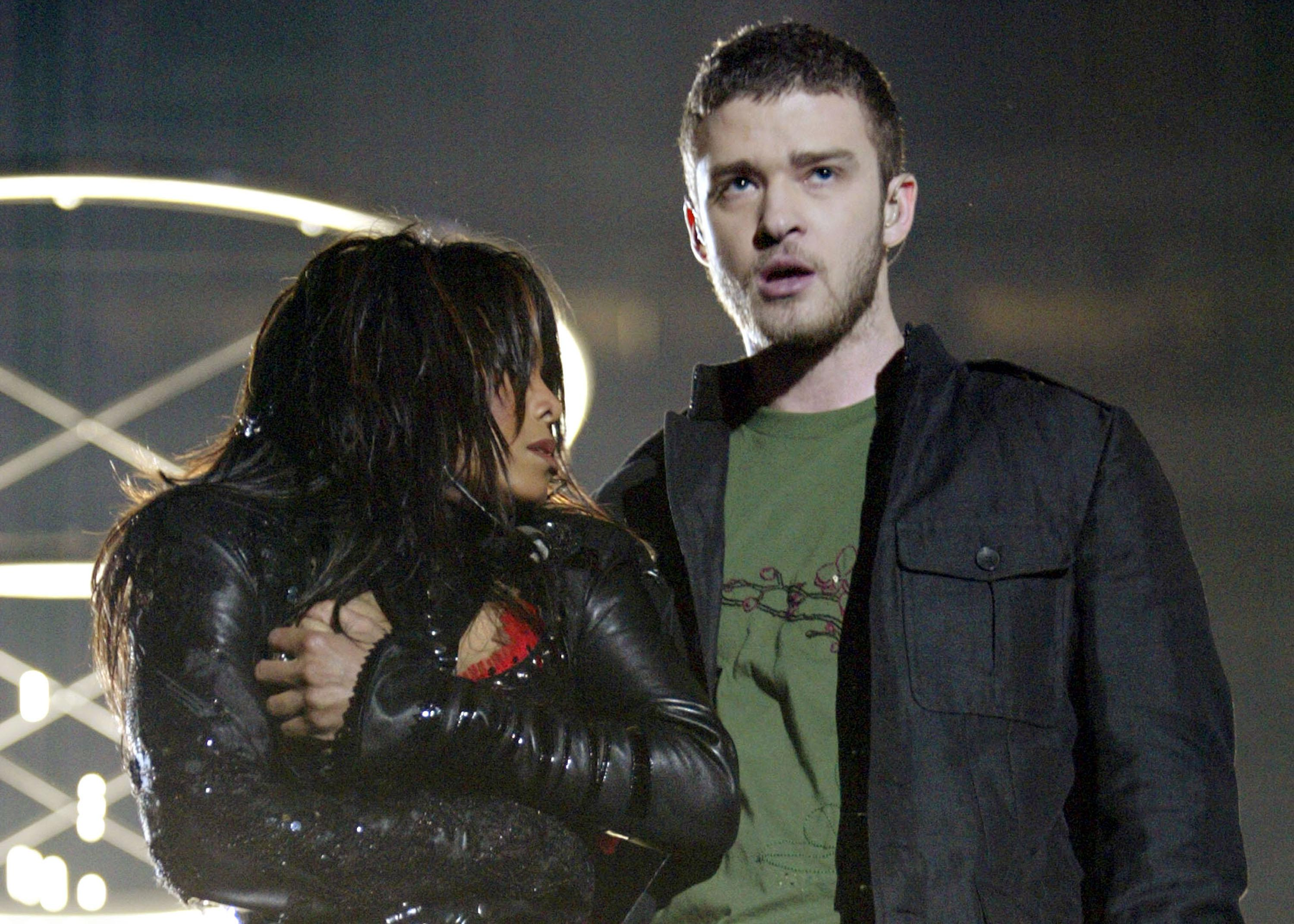 Justin previously performed alongside Janet Jackson in 2004