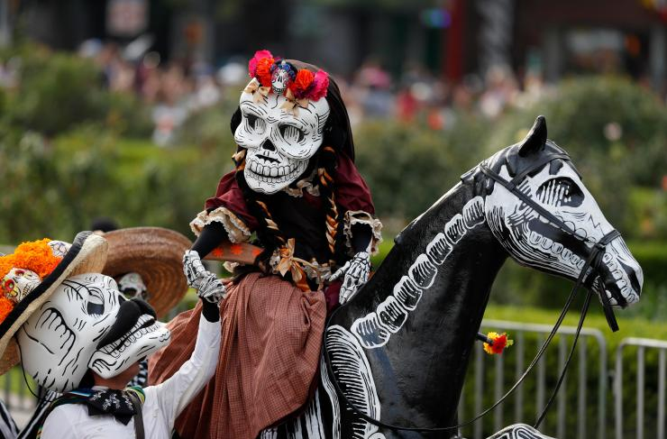 The festival is becoming inspired by the Western celebrations of Halloween, incorporating them into the traditional Mexican celebration