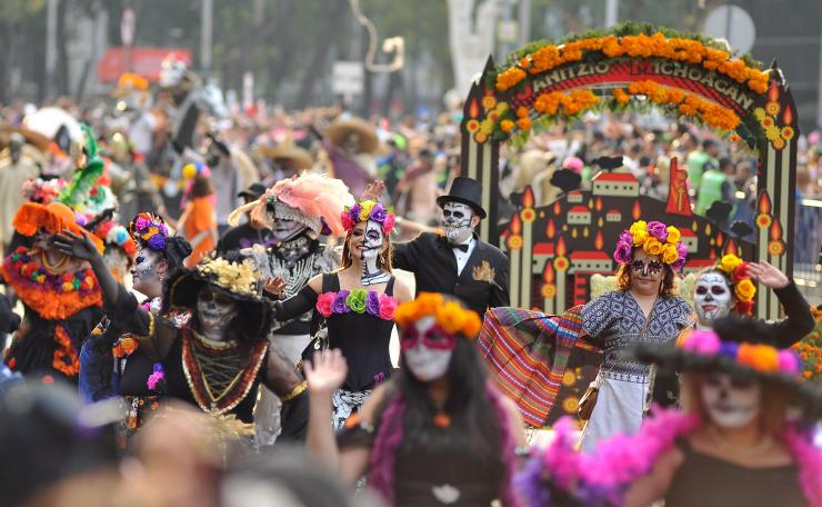 300,000 people reportedly took to the streets to watch this year's festival parade